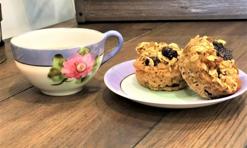 Easy and Delicious Raisin Oatmeal Muffins